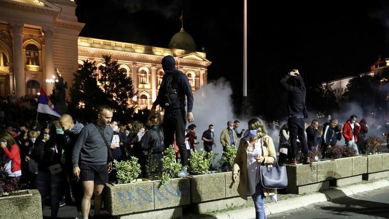 اعتراض صربستانی ها علیه قرنطینه تظاهرات علیه دولت کشید