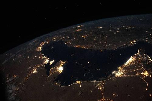 تصویری خیره کننده از آسمان شب خلیج فارس